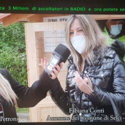 Emanuela Petroni presenta in TV su Canale Italia 11 FABIANA CONTI - Assessore del Comune di SELCI